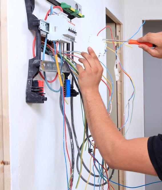 électricien qualifié à Mézières-sur-Seine et Aubergenville